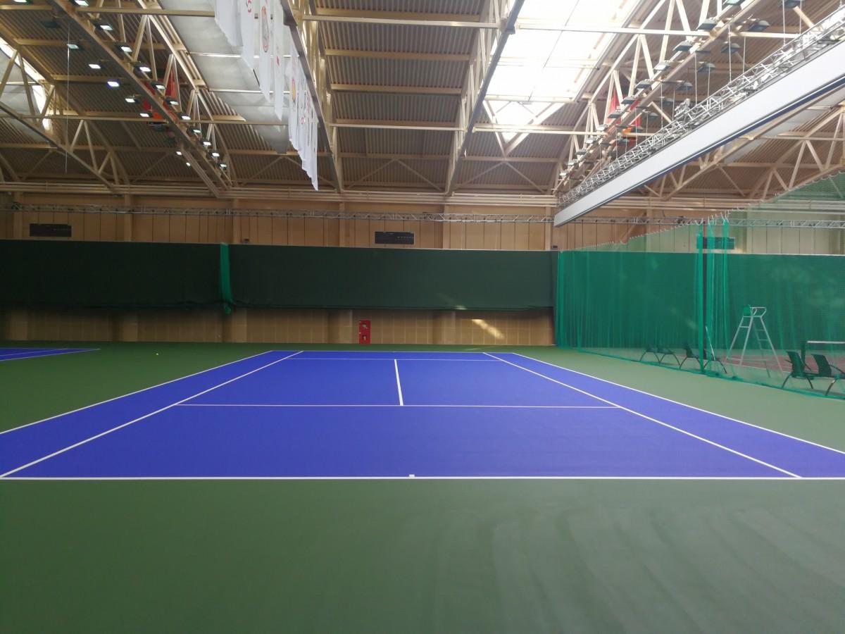 Теннисный корт после реконструкции в новом корпусе РЦОП по теннису.: фото