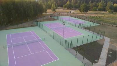 Теннисный клуб на пересечении улиц Воропаевская-Мирошниченко